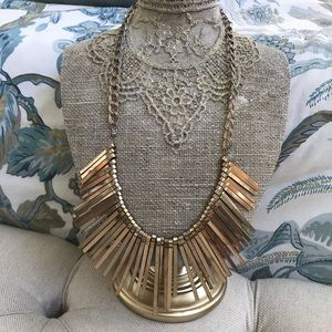 Jewelry - GORGEOUS GOLD STATEMENT NECKLACE